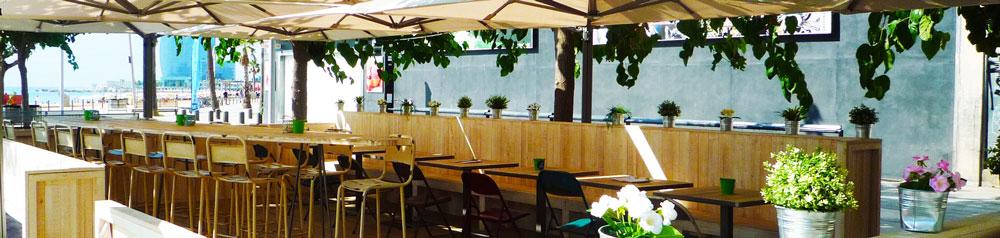 Surf House your beach cafe con mobiliario de MisterWils. Otro proyecto más de MisterWils, más de 4000m² de exposición y venta. Visítanos.