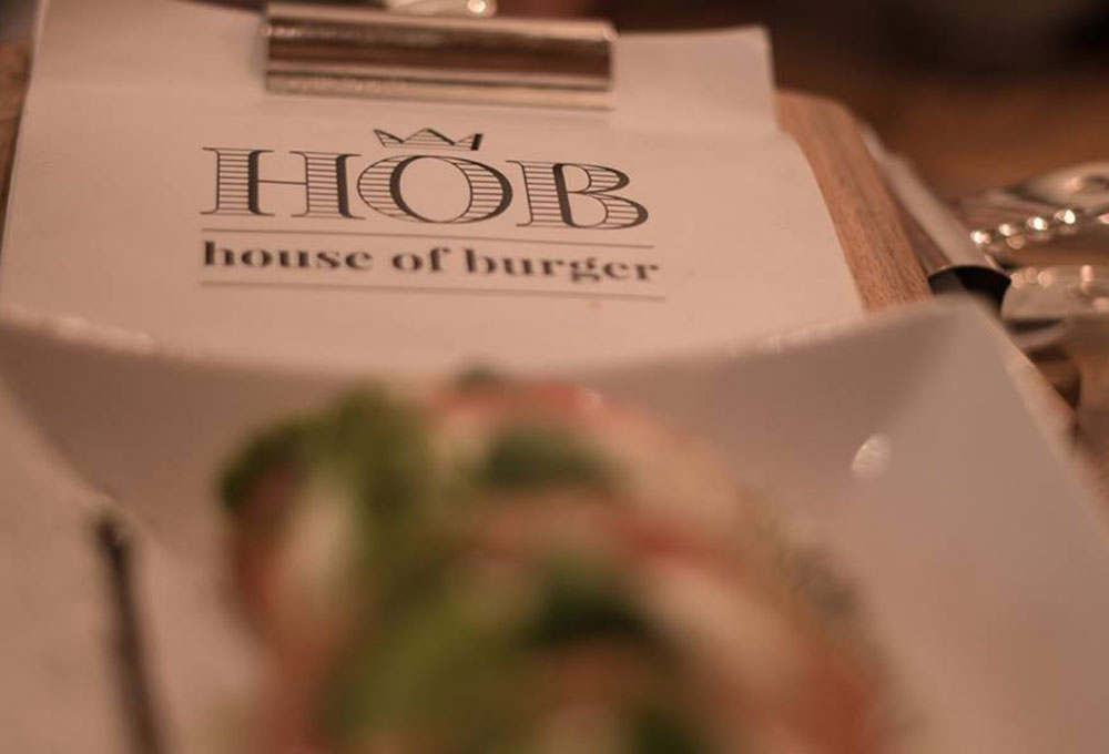 HOB House of Burger en calle Correduría 38 Sevilla. Otro proyecto más de MisterWils, más de 4000m² de exposición y venta. Visítanos.