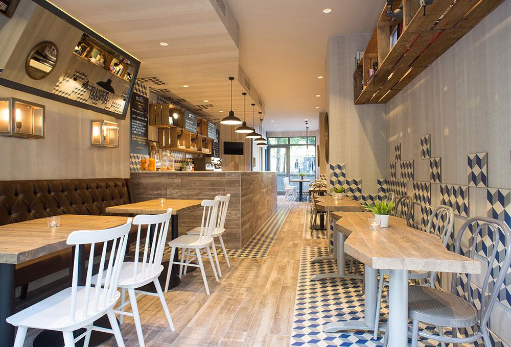 Prandium Caffe mobiliario Decoracion Vintage proyecto de 4Cadires. Otro proyecto más de MisterWils, más de 4000m² de exposición y venta. Visítanos.