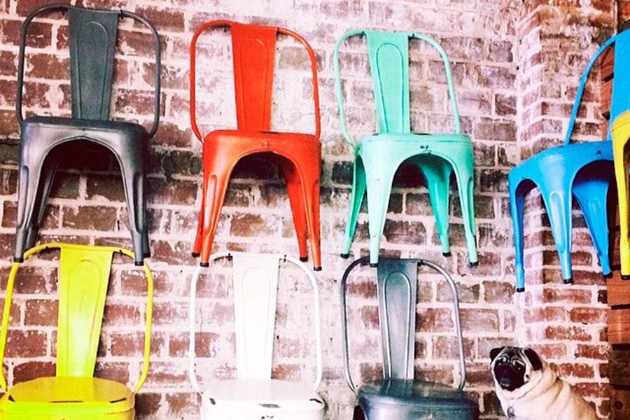 Silla Tolix: Historia de un clásico del diseño industrial