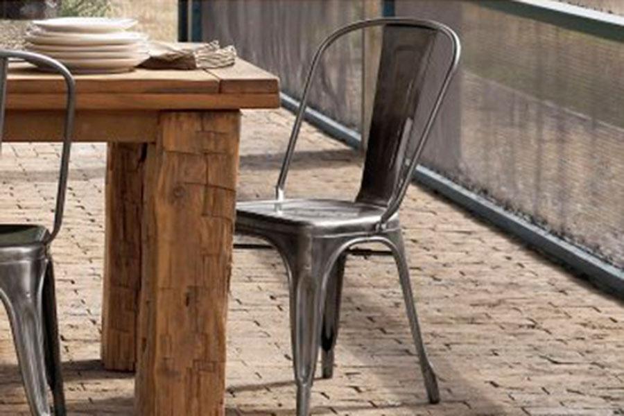 Silla Tolix: Historia de un clásico del diseño industrial. No paramos de verla por todos lados: restaurantes, cafeterías, tiendas, oficinas… Y es que...
