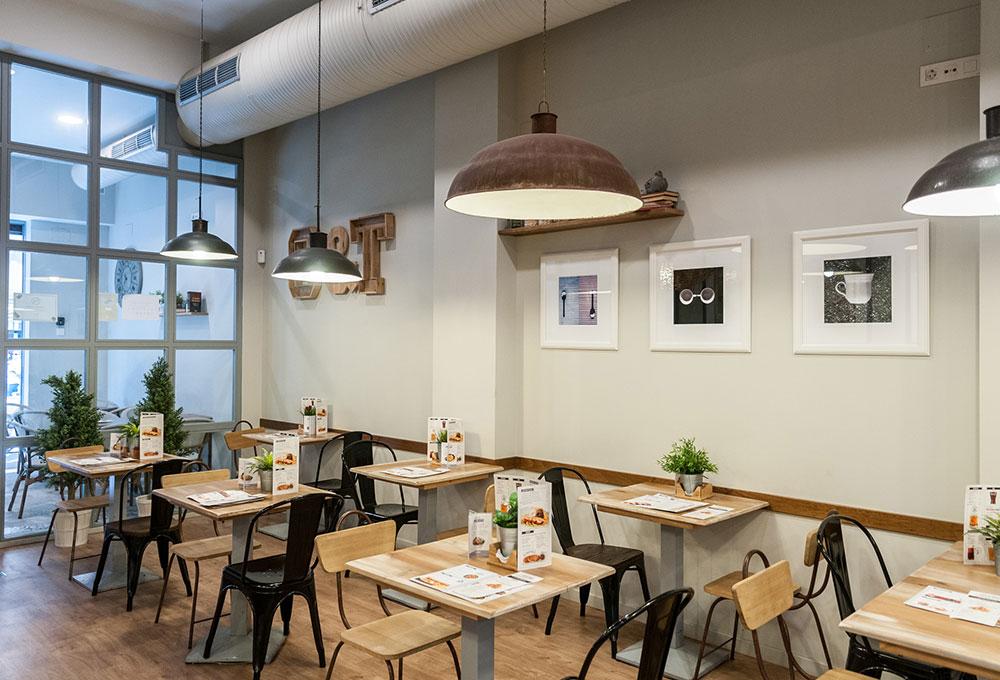 Café and Tapas Sevilla San Jacinto, nuevo proyecto de Cia del Trópico. Otro proyecto más de MisterWils, más de 4000m² de exposición y venta.
