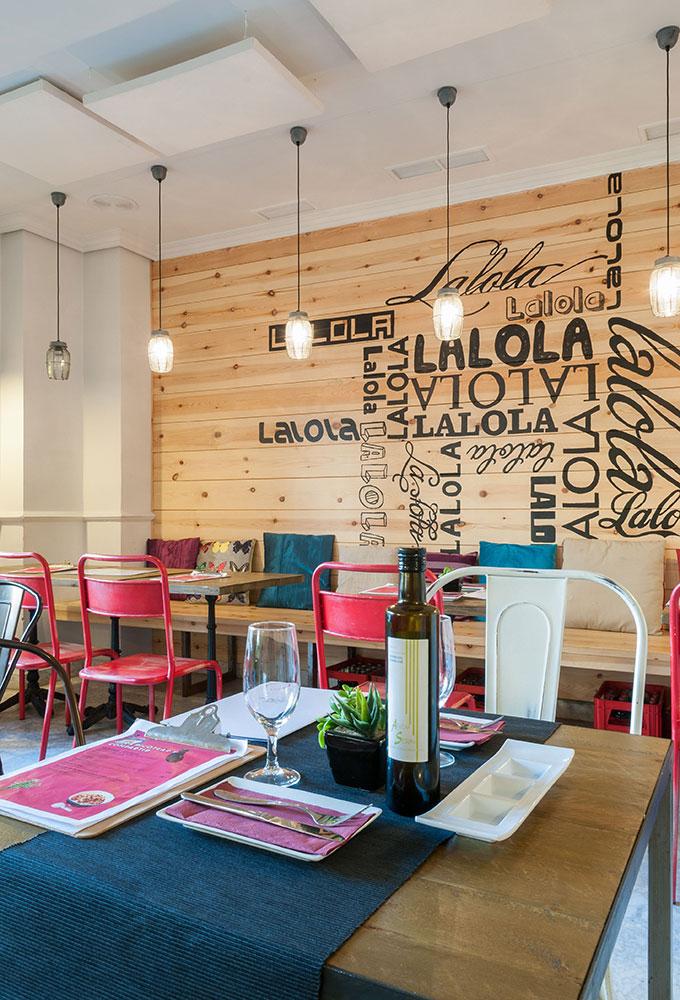 Lalola Taberna Gourmet nuevo restaurante de Javier Abascal en Los Remedios. Otro proyecto más de MisterWils, más de 4000m² de exposición y venta.