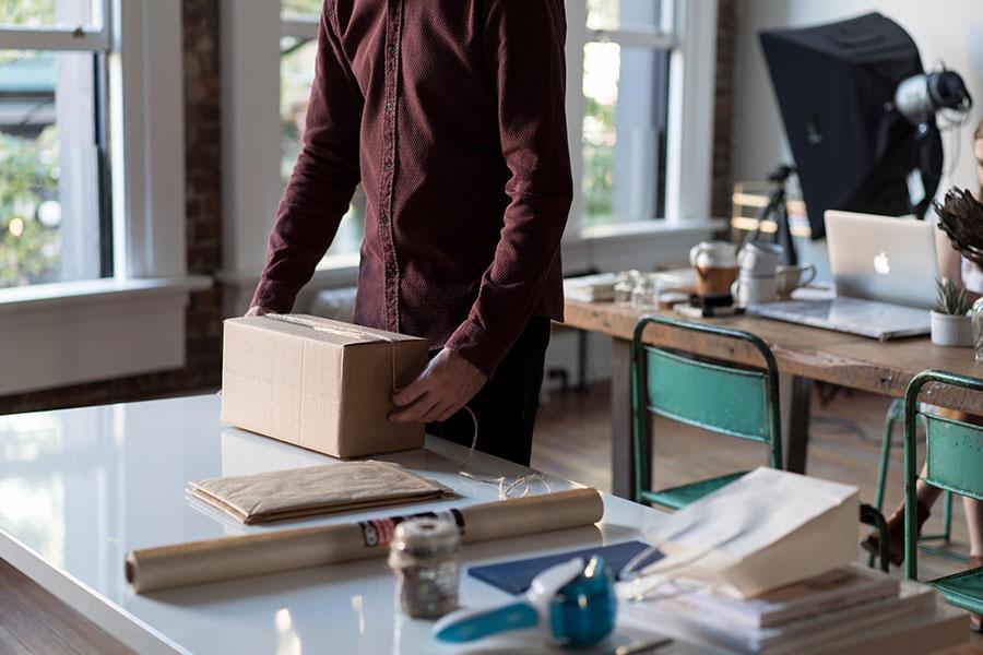 Una oficina vintage-industrial, la tendencia actual. ¿Eres autónomo o empresario y estás a punto de salir de casa para lanzarte a la aventura de alquilar?