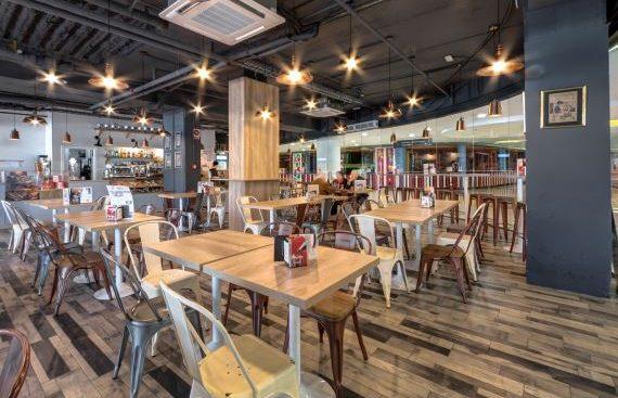 MOKA Café, concepto de cafetería vintage italiana abre en Sevilla. Otro proyecto más de Mister Wils, más de 4000m2 de exposición y venta