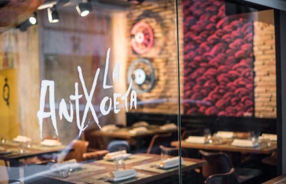 Restaurante La Antxoeta, capitaneado por el Chef Pablo Caballero. Otro proyecto más de Mister Wils, más de 4000m2 de exposición y venta