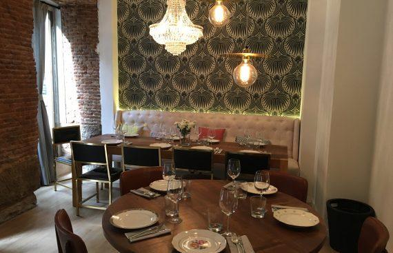 Santa Rita nuevo restaurante con mobiliario de Decoracion Vintage. Otro proyecto más de Mister Wils, más de 4000m2 de exposición y venta.