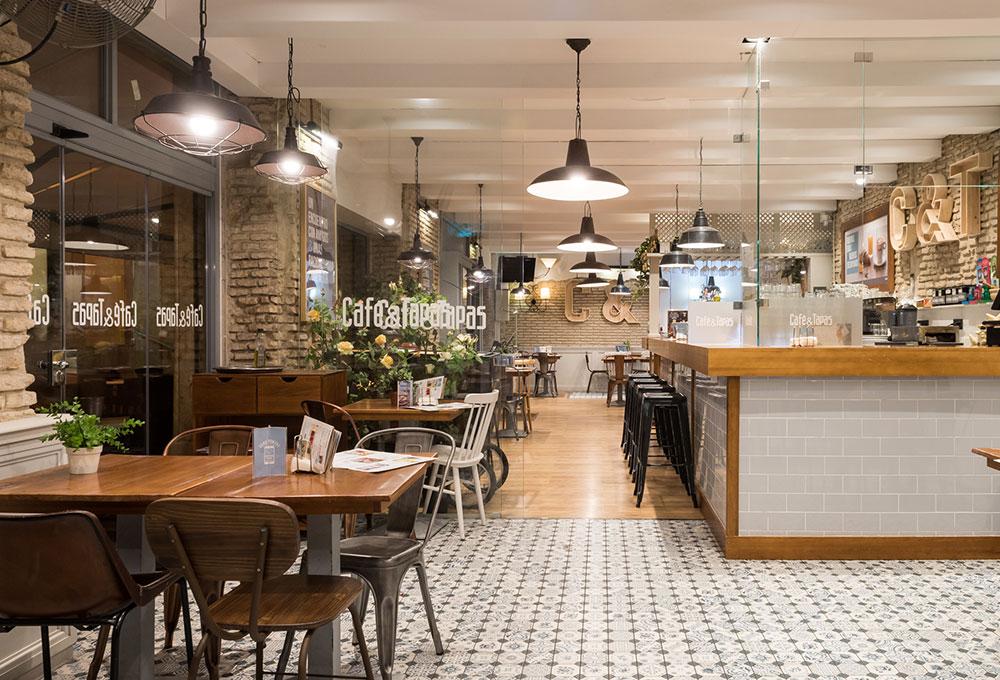 Restyling del local mas emblematico de Café and Tapas en Sevilla. Otro proyecto más de MisterWils, más de 4000m2 de exposición y venta.