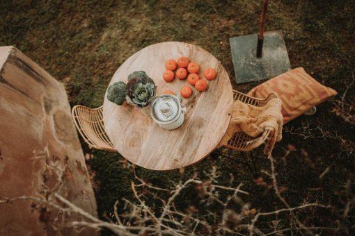 DELHI Tapa de madera de mango natural encerado. Encuéntrala en MisterWils. Más de 4000m² de exposición y almacén. Aparadores, Cartelería artística, Complementos, Estantes, Iluminación, Mesas, Outlet, Plantas Artificiales, Sillas, Sofás y bancos, Taburetes, Ventilación.