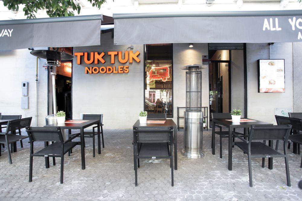 mister-wils-proyecto-tuk-tuk-noodles-sevilla-6