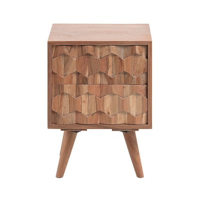 IMAGE Mesita de noche estilo Nórdico de madera de acacia tallada. Encuéntrala en MisterWils. Más de 4000m² de exposición y almacén.
