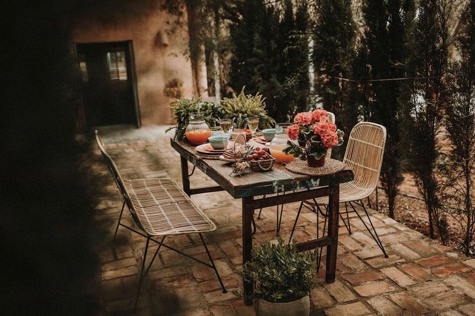 Mesa compartida o comunal, al estilo MisterWils. Desde hace años muchos restaurantes optan por la mesa comunal o compartida, algunas claves y más...