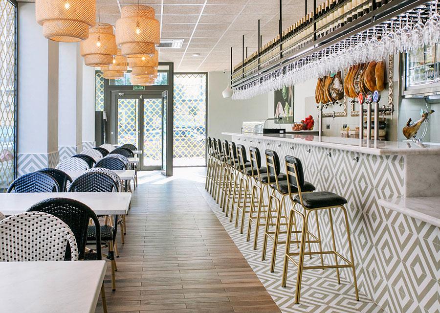 Las decoradoras de La Casa Sueca y MisterWils. Hoy hablamos con La Casa Sueca, un equipo de decoradoras, especializadas en decoración de restaurantes que confía habitualmente en MisterWils para sus proyectos.