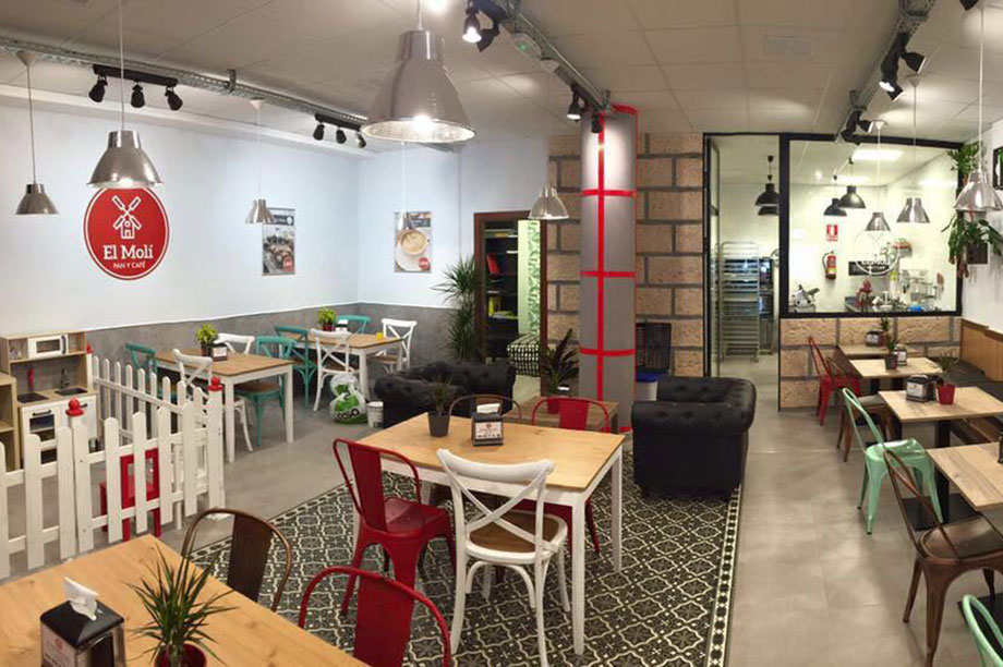 El Moli Pan y Café, un proyecto con mobiliario de MisterWils