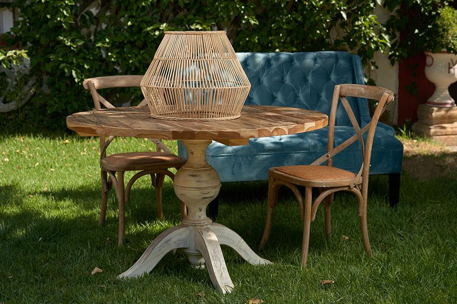 Cinco mesas auxiliares de MisterWils perfectas para tus interiores. Las mesas auxiliares son algo más que un mueble. A caballo entre el elemento...