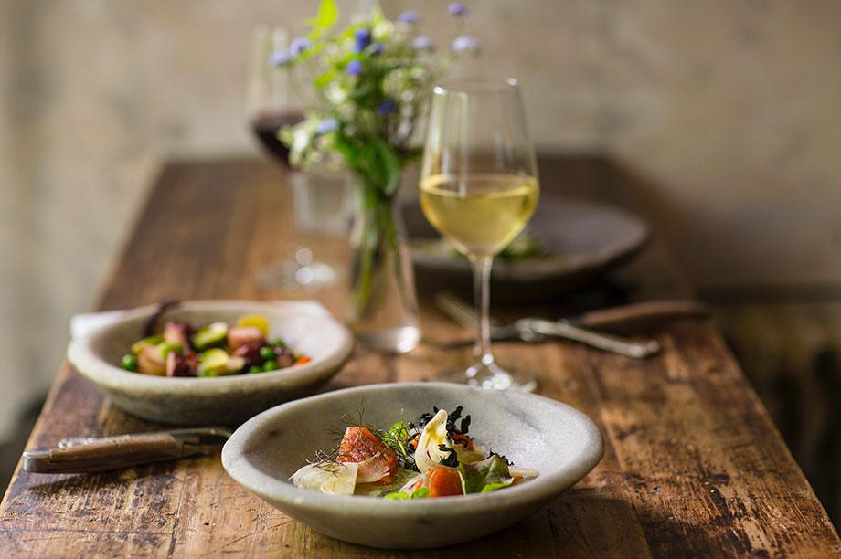 Nueve estilos de mesas que decoran tu comedor con MisterWils. Si, has oído bien, tenemos nueve estilos y un montón de mesas de comedor para todos los gustos