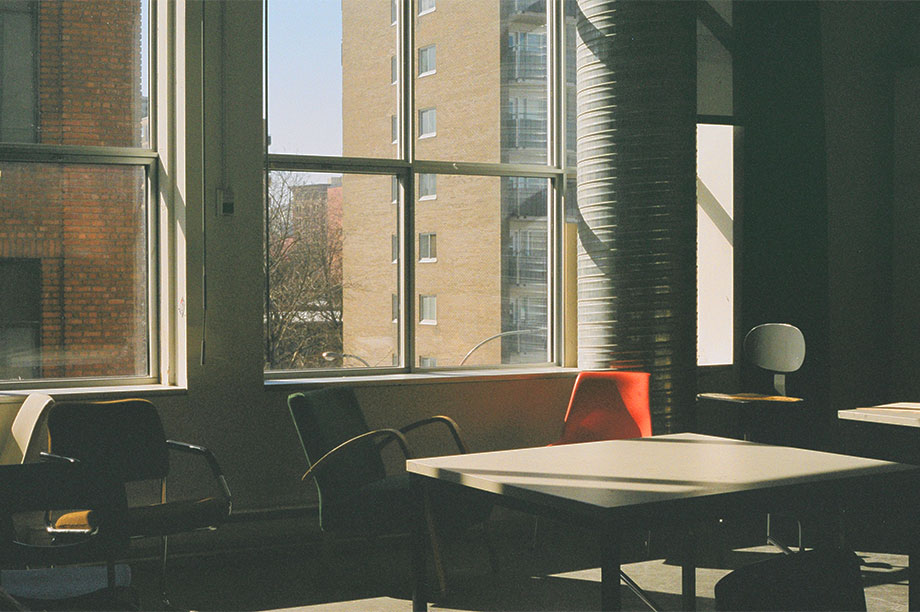 Las sillas de estilo nórdico definitivas para decorar al más puro estilo Escandi. ¿Te gusta el estilo nórdico? en MisterWils, además de gustarnos, tenemos..