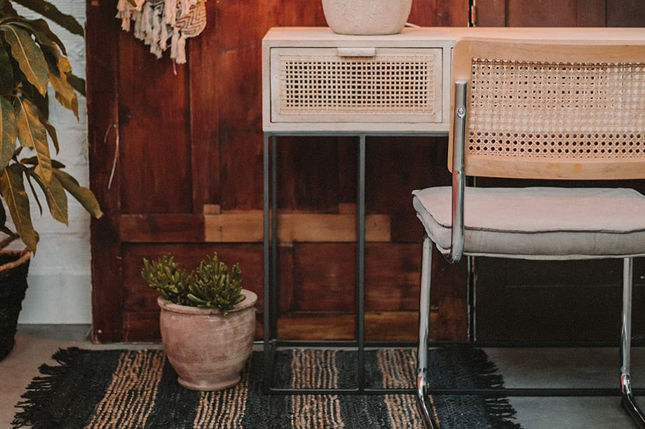 Descubre aquí la silla Cesca y hazte con las réplicas de MisterWils. El modelo Cesca es uno de los diseños de sillas más icónicos y que a pesar de haber...