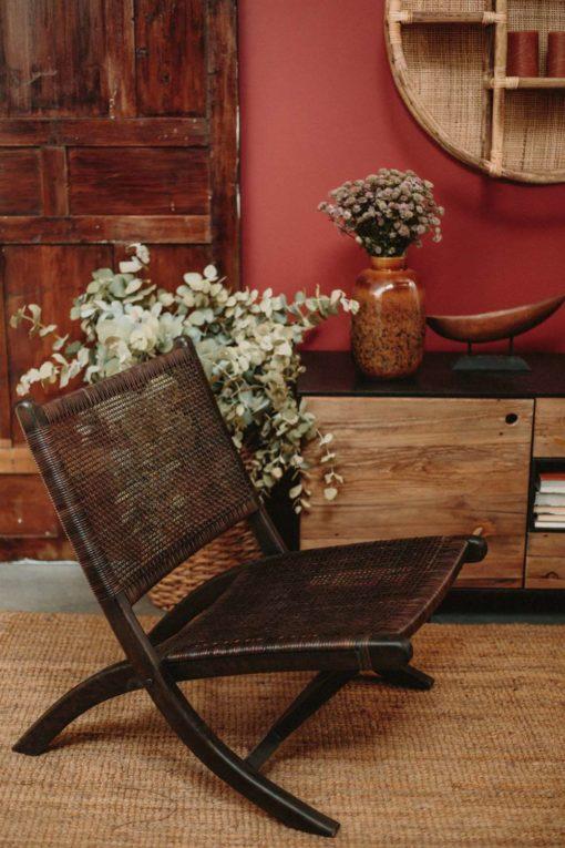 BERGEN MARRÓN Sillón plegable de madera tropical y rattan natural. Encuéntralo en MisterWils. Más de 4000m² de exposición y almacén.