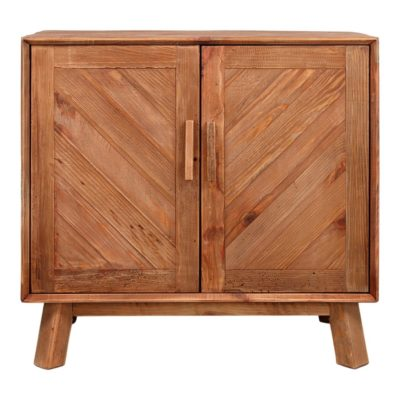 ODUM Aparador estilo rústico fabricado en madera de pino reciclada con dos puertas abatibles con diseño geométrico en espiga. Encuéntralo en MisterWils.