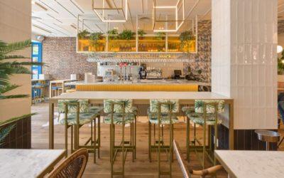 5 buenas ideas para amueblar tu restaurante con mesas altas
