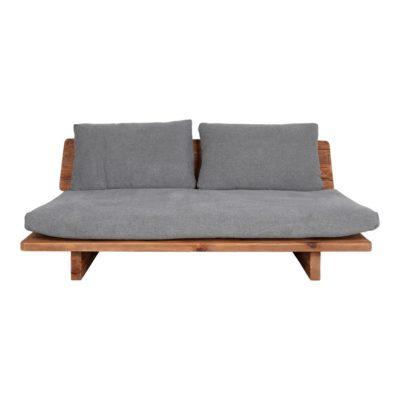 KUBU 3PL Sofá de madera de pino reciclado con cojines tapizados en textil. Encuéntralo en MisterWils. Más de 4000m² de exposición y almacén.