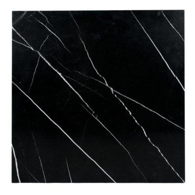 NAMUR CUADRADA Tapa de mármol negro con bordes canteados. Encuéntrala en MisterWils. Más de 4000m² de exposición y almacén.