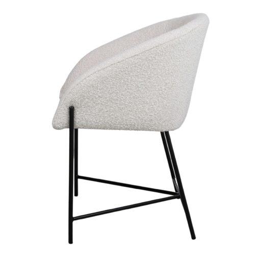 PETUNIA BLANCA Silla estilo Contemporáneo con tapizado en lana bouclé. Encuéntrala en MisterWils. Más de 4000m² de exposición y almacén.