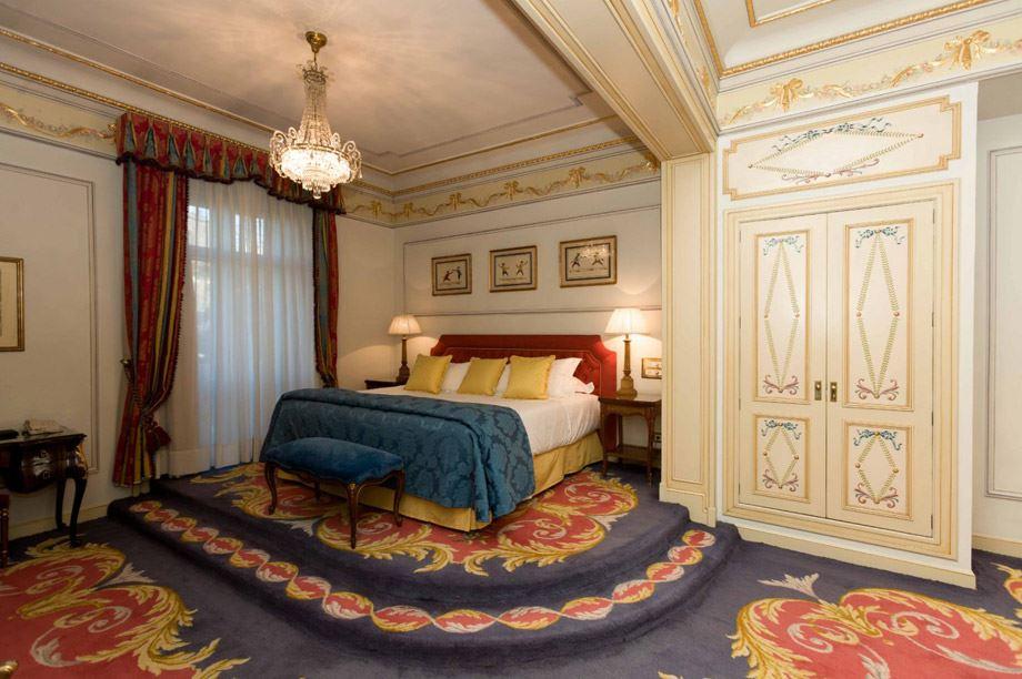 decoración de habitación del hotel Ritz de Madrid