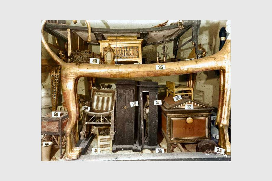 muebles encontrados en tumba egipcia