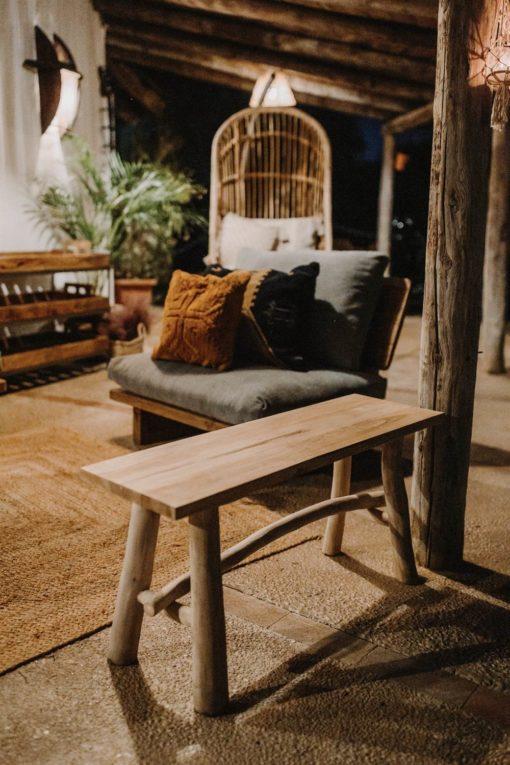 JANORY Banco estilo rústico vintage fabricado en madera de teka. Encuéntralo en MisterWils. Más de 4000m² de exposición y almacén.