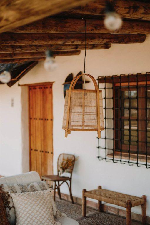 SCOUT Lámpara de techo estilo étnico con pantalla fabricada en rejilla de rattan natural | Encuéntrala en MisterWils. Más de 4000m² de exposición y almacén.