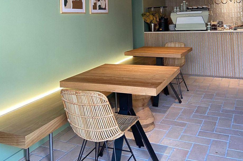 Mesa de restaurante estilo industrial