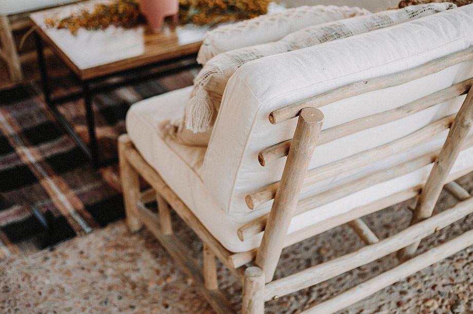 sofá de madera reciclada