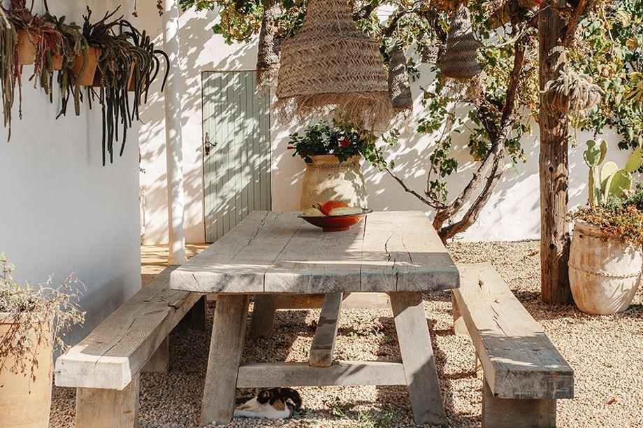 patio estilo rústico-mediterráneo