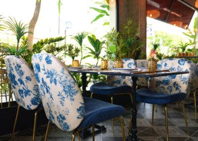 Proyecto Burro Canaglia silla tapizada estampado floral